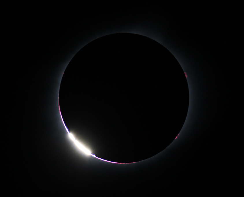 NEU Great American Eclipse: - Lichtperlen beim 2. Kontakt, Sonnenfinsternis August 2017, Oregon.