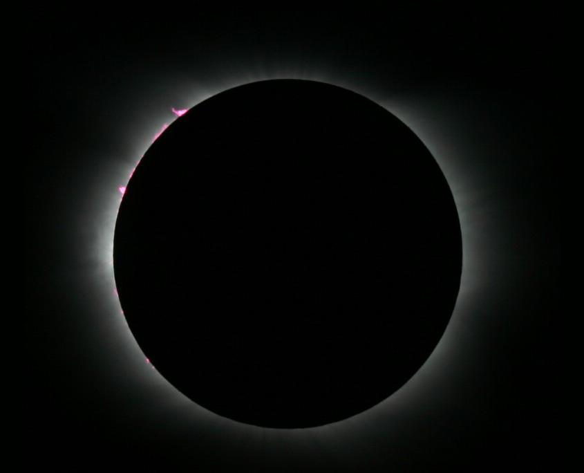 """Sonnenfinsternis mit """"Flimmern"""", Bild Paul Hombach."""